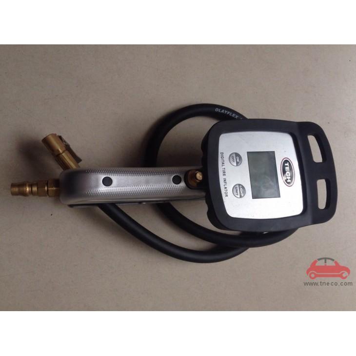 Đồng hồ bơm và kiểm tra áp suất lốp xe bánh xe ô tô hiển thị điện tử Tech USA Mỹ (sản xuất tại Trung Quốc)