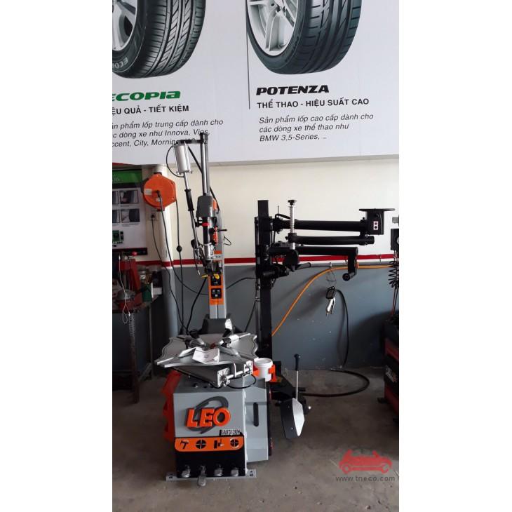 Máy thay vỏ xe ô tô xe du lịch có dàn đè hỗ trợ LEO-L8087V-390H